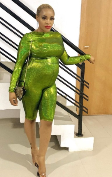 Actress, Uche Ogbodo flaunts her baby bump in new photos
