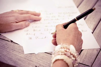 Contoh Surat Pribadi untuk Sahabat, Guru, Orang Tua, Saudara