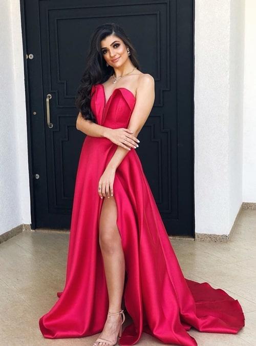 vestido de festa longo pink estilo princesa com fenda