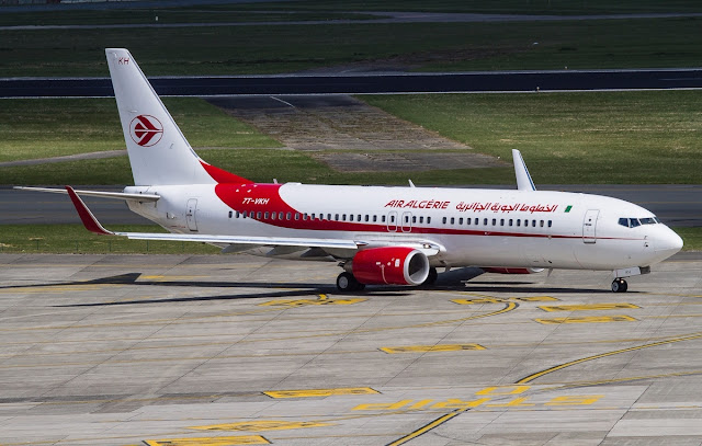 air algerie boeing 737-800 at brussels