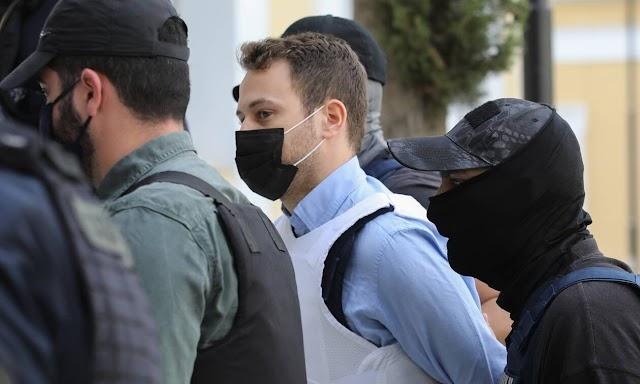 Γλυκά Νερά: Στη φυλακή ο Μπάμπης Αναγνωστόπουλος - Οργή στο πανελλήνιο για το δολοφόνο της Καρολάιν