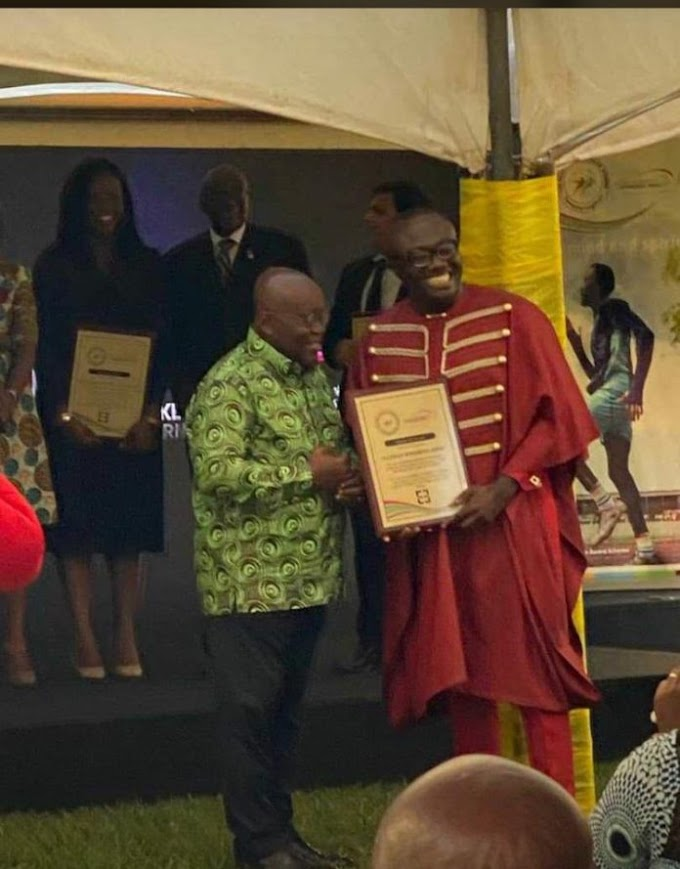 Bola Ray receives presidential award for youth development