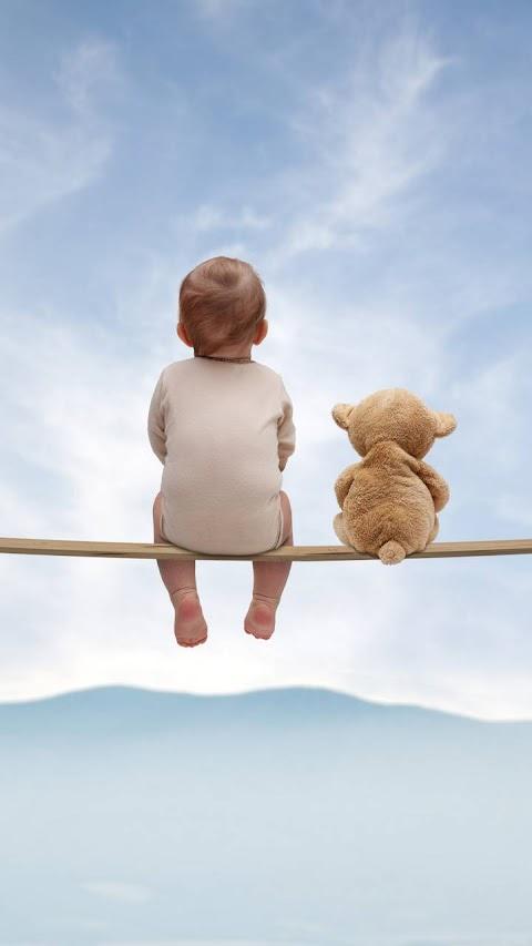 Baby và bạn gấu Teddy