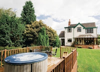 Find Cottages with Hot Tubs in the Peak District