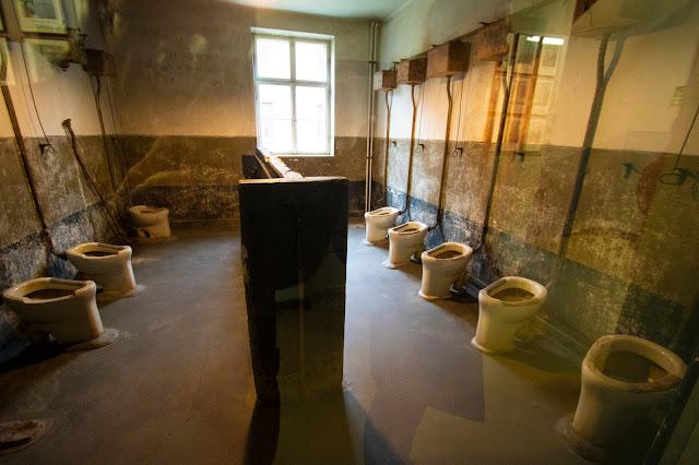 Servizi igienici-Campo di concentramento di Auschwitz