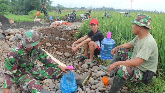 Hangatnya Kopi Pagi, Menghangatkan Kedekatan TNI Dengan Masyarakat