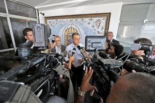 Rui Costa suspende aulas na Bahia
