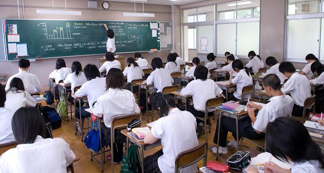 224 professores receberam ações disciplinares devido a atos obscenos em 2015