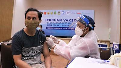 Serbuan Vaksinasi di GOR Widya Dirgantara Targetkan 10 Ribu Peserta