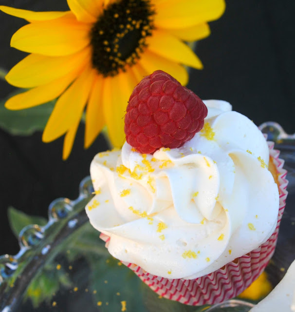 Summer cupcakes- Raspberry Lemon