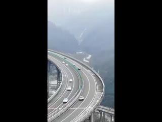 Karakoram Highway, 1300 km running from China to Pakistan. Amazing Technology