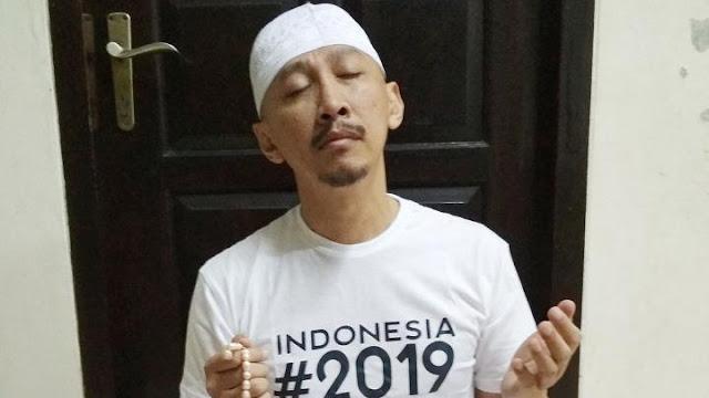 Gara-gara Ikutan Kritik, Abu Janda Diserang Pendukung Agnez Mo