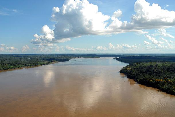 แม่น้ำที่ยาวที่สุดในโลก, แม่น้ำมาเดียร่าเป็นแม่น้ำสายสำคัญสายหนึ่งในอเมริกาใต้ ความยาว 3,250 กิโลเมตร (2,020 ไมล์) และเป็นลำน้ำสาขาที่ใหญ่ที่สุดของแม่น้ำอเมซอนอีกด้วย