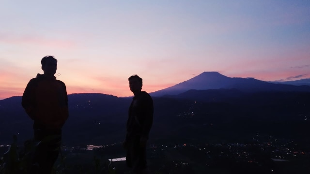Gunung Corong Jejeg