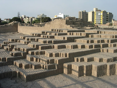 Huaca Pucllana, Discovering Miraflores, How to see Miraflores, What's up Miraflores