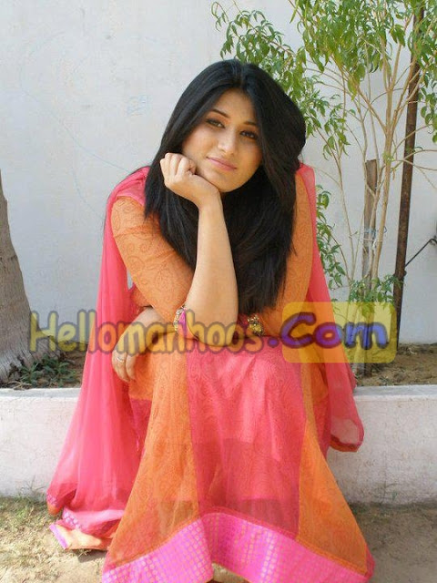 pakistani-cute-girls-dp-pictures-for-facebook-fb-2020