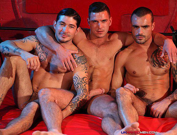 Sexo Gay Dotados Paddy-OBrian-Issac-Jones-Johnny-Hazzard-Train-Fuck 2