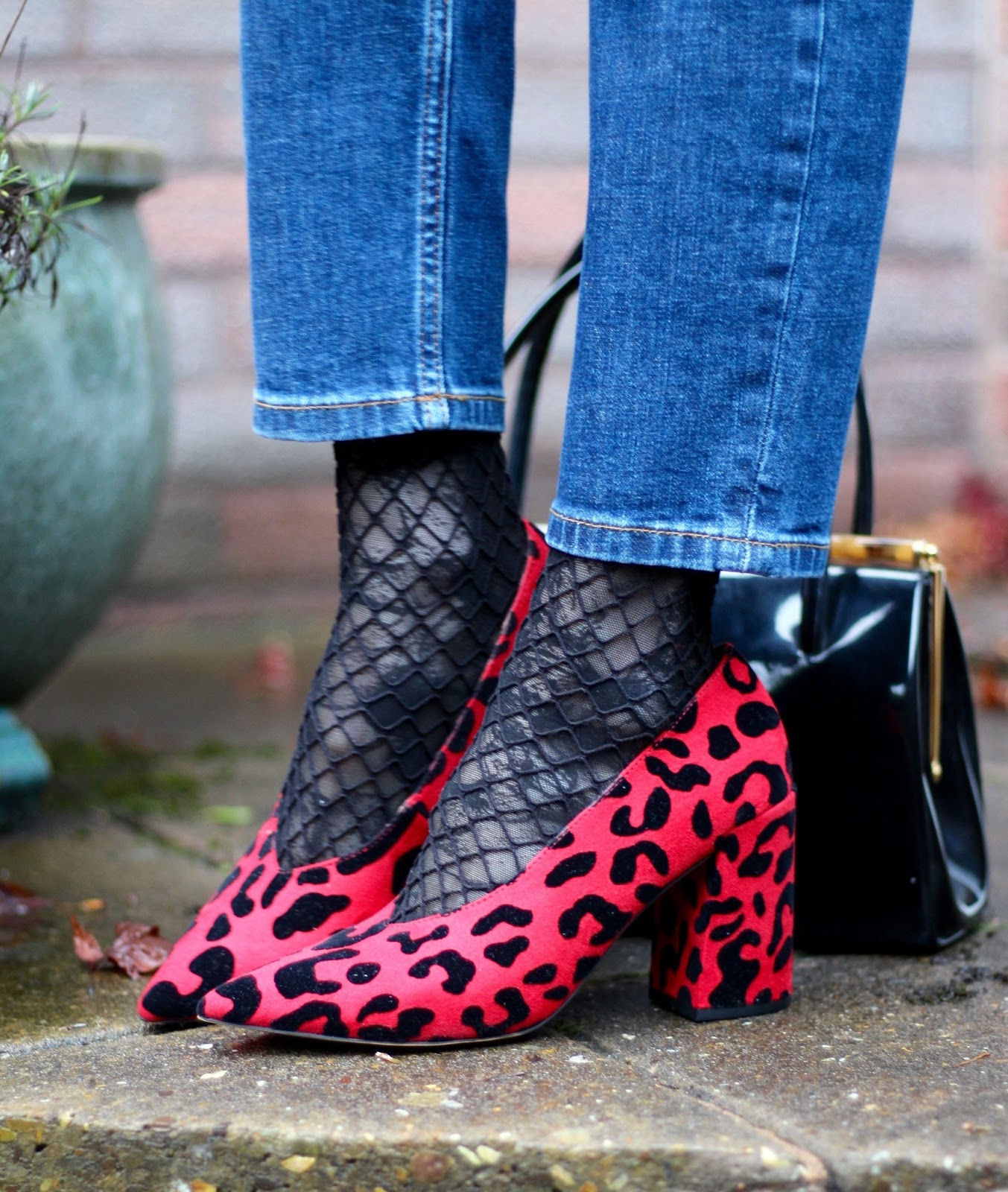 Androgynous 80's style | Styling Orson Jeans, over 40 | Fake Fabulous
