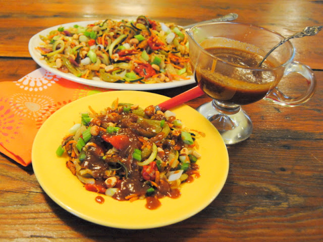Asian Zoodles With Peanut Sauce at Miz Helen's Country Cottage