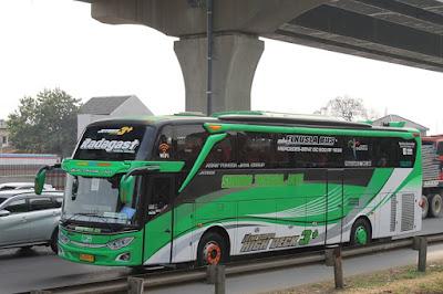 Foto Bus Sudiro Tungga Jaya Radagast
