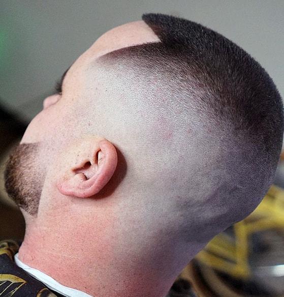 Potong Rambut Pria Belah Tengah