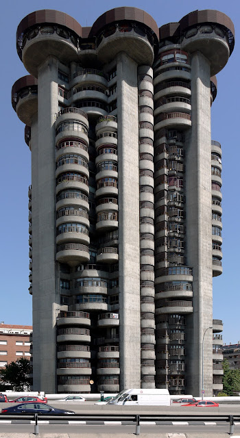 Torres Blancas in Madrid | Francisco Javier Sáenz de Oiza | White Towers | Le Corbusier + Frank Lloyd Wright influence