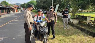 Antisipasi Penyebaran Covid 19, Polsek Maiwa Polres Enrekang Melaksanakan Operasi Yustisi