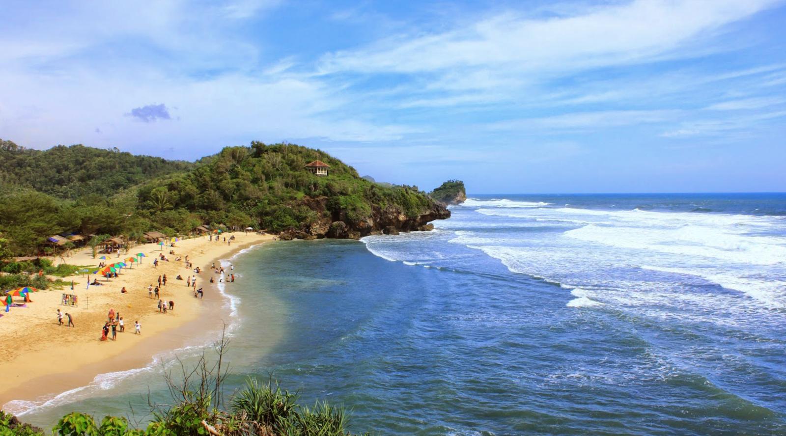 wisata pantai indah pasir putih manis di Joga