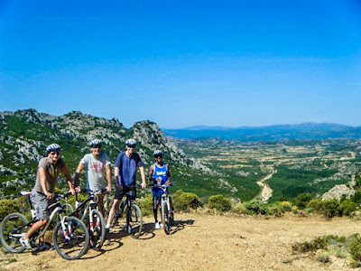 carbon road bike mtb ebike rental at Gennargentu national park in Sardinia