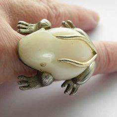 Cream frog ring chunky