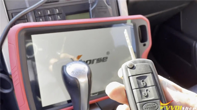 vvdi-key-tool-plus-range-rover-2008-key-1