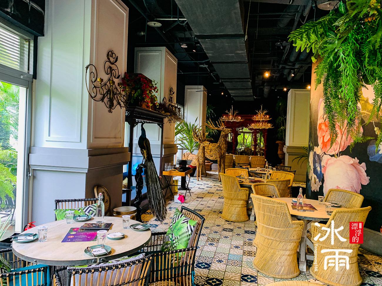 WOOTAIWAN大直ATT店|不同角落設計師採用不同的餐桌椅,會有特出的風格呢!