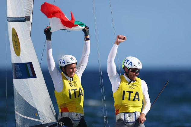 Tokyo 2020, vela Nacra 17: storico oro per Ruggero Tita e Caterina Banti