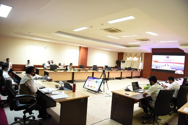 Rapat Bareng Jokowi Melalui Video Conference, Isdianto Senantiasa Ikuti Instruksi Pusat dalam Penanganan Covid-19