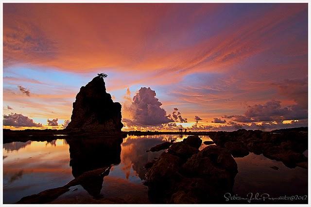 sunset di tanjung layar pantai sawarna