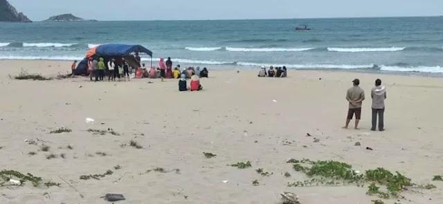 Đi tắm biển, nam thanh niên bị sóng cuốn trôi ở Phù Mỹ