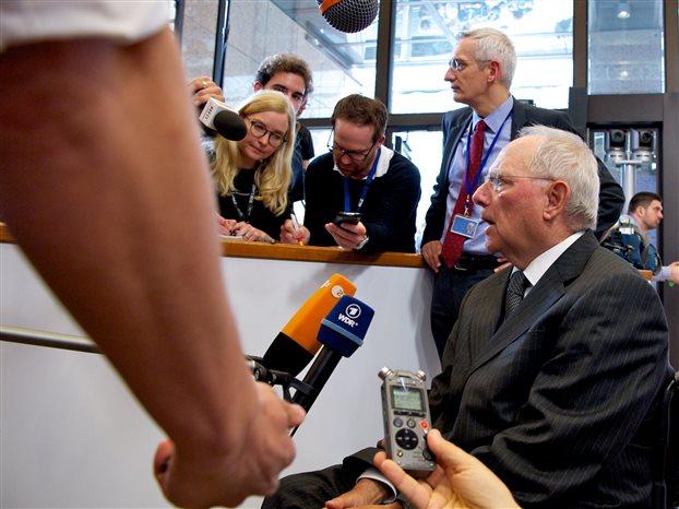Handelsblatt: Ο Σόιμπλε είπε ότι ένα Grexit δεν θα ήταν κάτι κακό