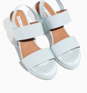Sandales à talon bleu ciel avec elastique