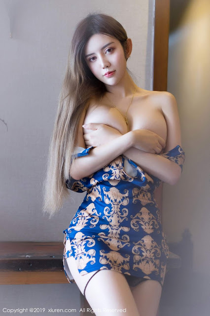 Hot and sexy booty photos of beautiful busty asian hottie chick Chinese babe model Yaqi Zhuo photo highlights on Pinays Finest Sexy Nude Photo Collection site.
