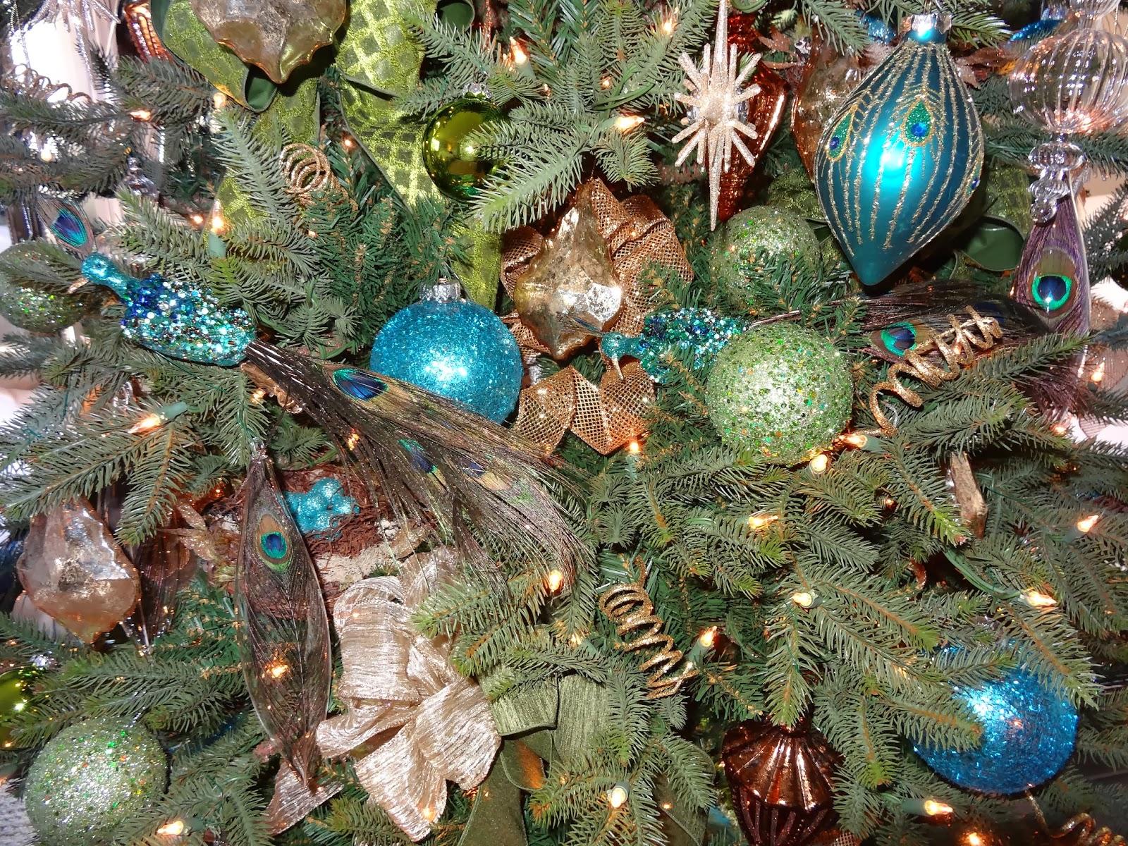 Seahorse & Stripes: Vintage Glam Peacock Christmas Tree