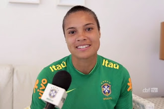 Goleira com dupla nacionalidade escolhe defender o Brasil no futebol feminino