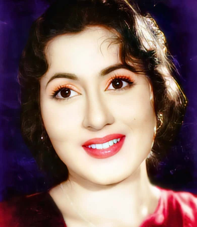 madhubala closeup face hd