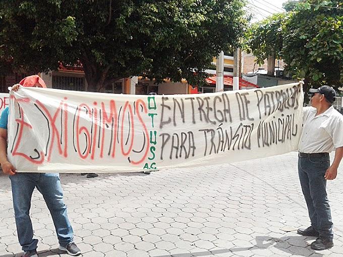 Policías municipales protestan contra abusos y carencias laborales