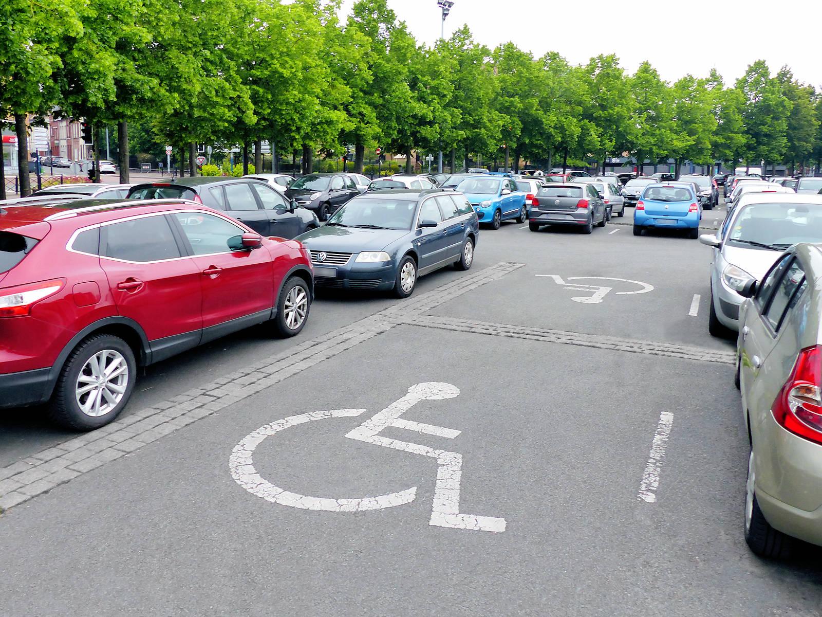 Stationnement Handicapés Tourcoing - Parking Mitterrand