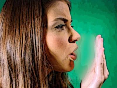 Τι σοβαρό μπορεί να κρύβει η κακοσμία του στόματος; Φυσικοί τρόποι πρόληψης 2