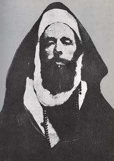 Biografi Imam Ahmad bin Hambal    Nama lengkap Ahmad bin Hanbal ialah Ahmad bin Hanbal bin Hilal bin Usd bin Idris bin Abdullah bin Anas bin Auf bin Qasit bin Mazin bin Syalban. Panggilan sehari-harinya Abu Abdullah. Ahmad bin Hanbal dilahirkan di Baghdad pada bulan Rabi'ul Awal tahun 164 Hijriah (780 Masehi). Ayahnya menjabat sebagi walikota Sarkhas dan pendukung pemerintahan Abbasiyah. Menurut satu riwayat, ayahandanya yang bernama Muhammad asy-Syalbani telah meninggalkan beliau sebelum dilahirkan ke dunia fana ini. Sehingga beliau tumbuh remaja hanya dalam asuhan ibundanya, Syafiyah binti Maimunah seorang wanita dari golongan terkemuka kaum Banu Amir.   Imam Ahmad adalah seorang zuhud, bersih hatinya dari segala macam pengaruh kebendaan. Beliau juga dikenal seorang yang pendiam tetapi beliau tertarik untuk selalu berdiskusi dan tidak segan meralat pendapatnya sendiri apabila jelas bahwa pendapat orang lain lebih benar. Beliau adalah orang yang berwawasan luas, ulama yang sangat dalam pemahamannya terhadap ruh syariat. Selama hayatnya, Imam Ahmad cinta sekali kepada sunnah Rasulullah SAW, sehingga mendorongnya untuk banyak meniru Rasulullah dalam segala urusan agama dan dunia. Beliau tidak hafal satu hadispun kecuali mengamalkannya. Sehingga ada suatu kalangan yang lebih melihat beliau sebagai seorang ilmuwan hadist daripada
