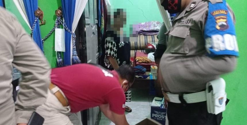 Razia Miras di Kecamatan Rembang, Puluhan Botol Minuman Haram Disita Polisi