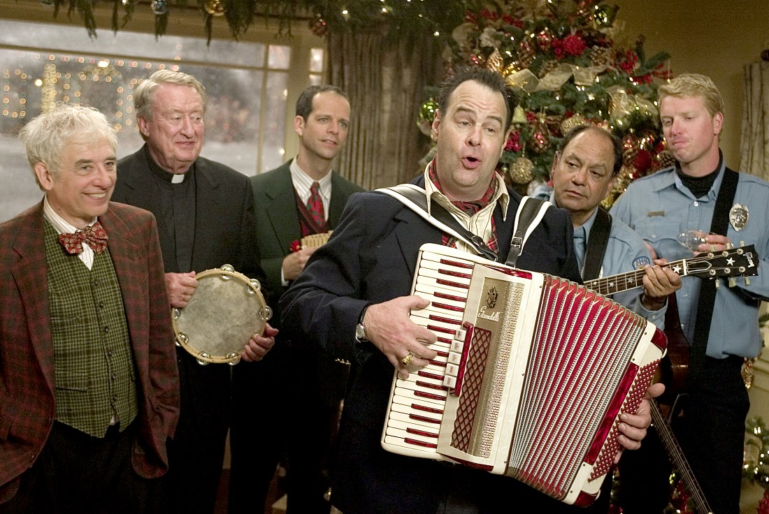 F This Movie!: Christmas Movie Scorecard: CHRISTMAS WITH THE KRANKS v. DECK THE HALLS