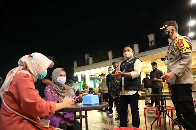 Pergantian Tahun di Seruni, Bupati Bantaeng Berbagi Tips Pengunjung Kafe
