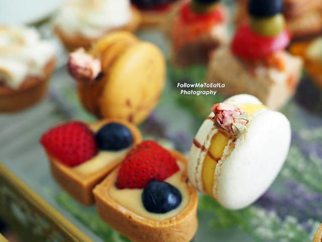 LA ROSE NOIRE Macaron